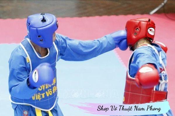 Sử dụng mũ bảo hộ võ thuật